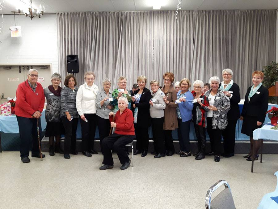 Auxiliary members receive Recognition Awards.